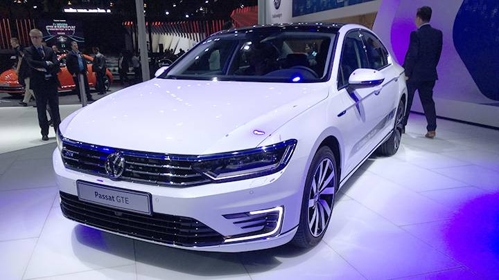 Volkswagen To Launch A Hybrid Passat In India Clean Future